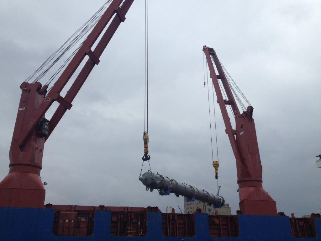 Loading of refinery equipment for Egypt