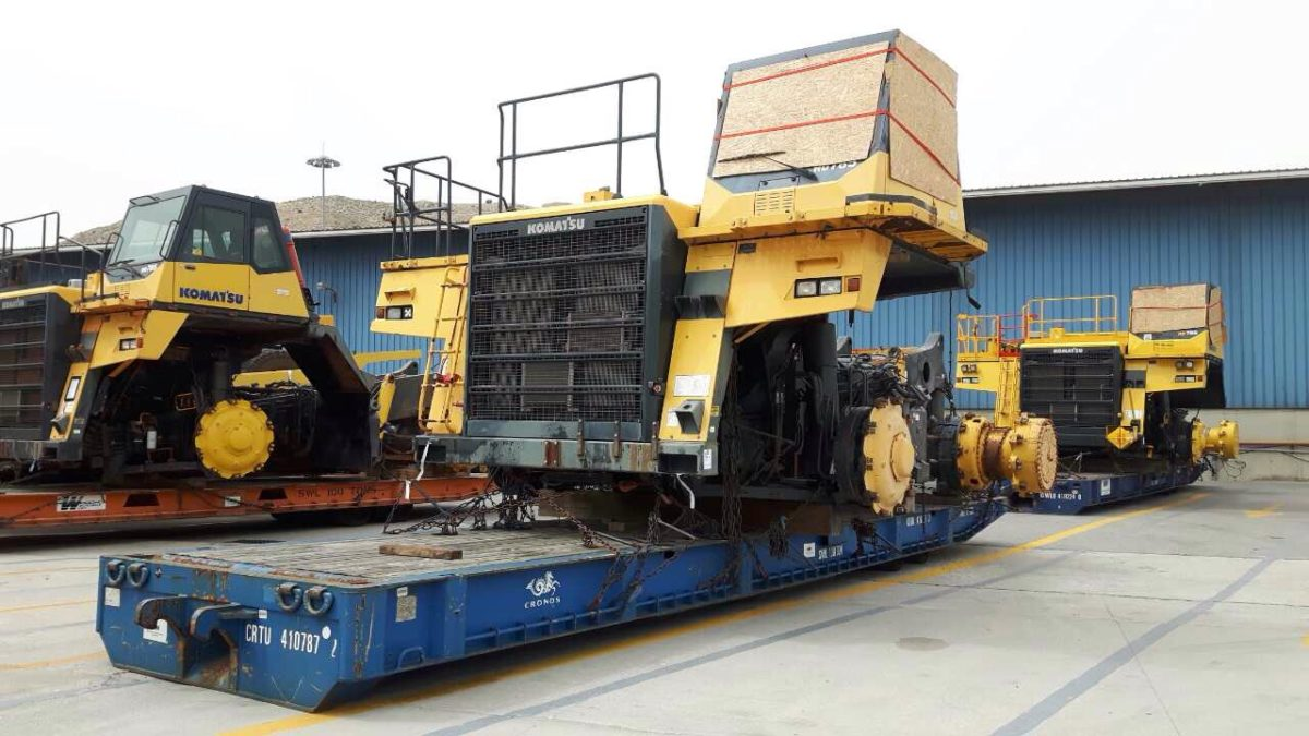 6 used Komatsu HD785-7 & parts at Piraeus G2 Keratsini port