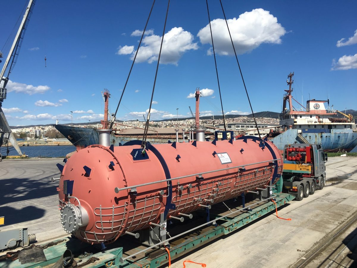 Transport of desalter vessels from Greece to Russia