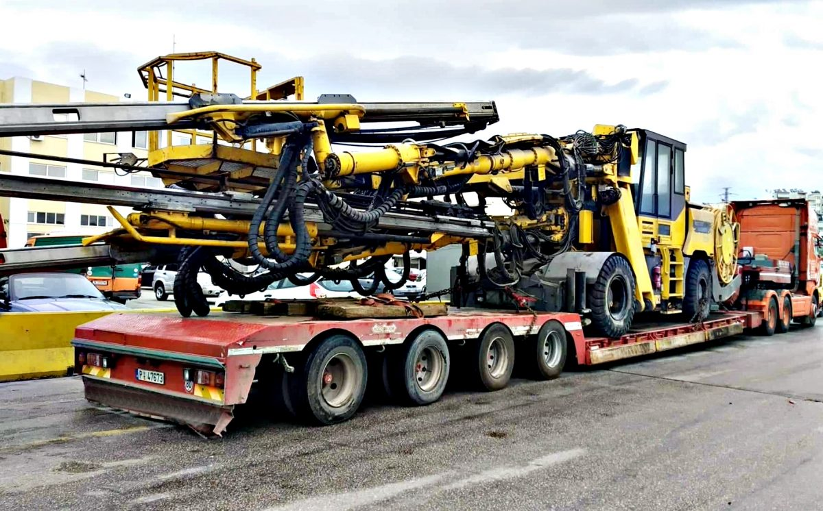 Road transport from Greece to Albania